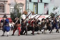 Vůně rozpálených doutnáků se nesla průvodem padesáti obránců Brna. Ti si slavnostním pochodem připoměli 367 let od odražení švédských vojsk.