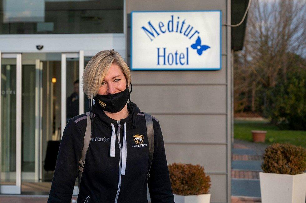 Volejbalistky Šelem Brno (na snímku Kristýna Boulová) vyrazily na cestu do Monzy autobusem v neděli večer.