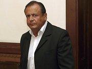 Radomír Jonáš u Krajského soudu v Brně. Je obžalovaný ze zpronevěry.