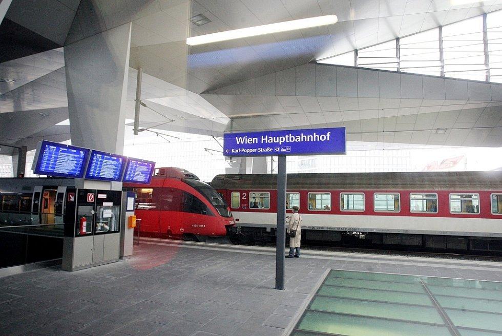 Nový rychlovlak teď jezdí z Prahy až do Vídně. V prosinci si cestu prodlouží až do Štýrského Hradce.
