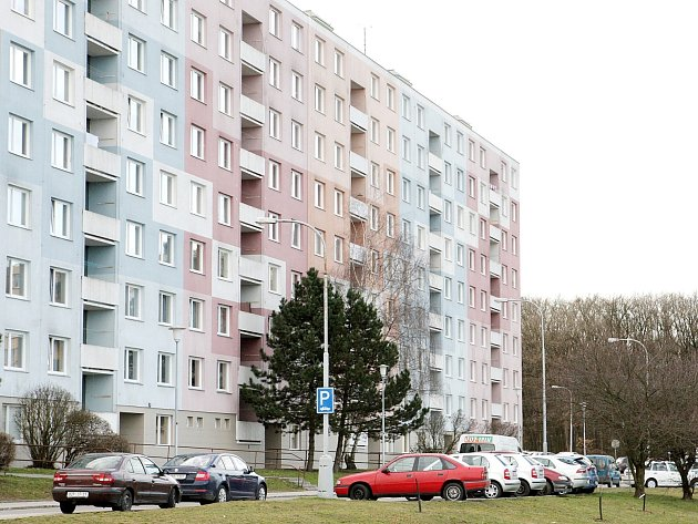 K druhému letošnímu případu vraždy vyjeli v pátek odpoledne krajští kriminalisté. Obětí byla osmasedmdesátiletá žena, kterou nalezli bez známek života v bytě v Kohoutovicích.