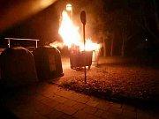Hasiči na silvestra na jižní Moravě likvidovali hlavně požáry porostů nebo kontejnerů.
