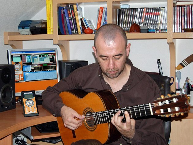 Jeden z nejrespektovanějších kytaristů flamenca Oscar Herrero vystoupí 5. srpna na hradě Špilberk.