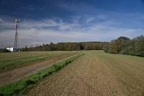 Na procházky do přírody musí lidé z Rozdvojovic na Brněnsku na nejbližší týdny zapomenout.