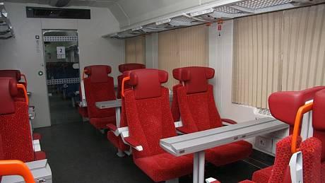 České dráhy budou od prosince modernizovat vybavení v rychlících. Nové vagony pojedou i přes Brno a Vysočinu.