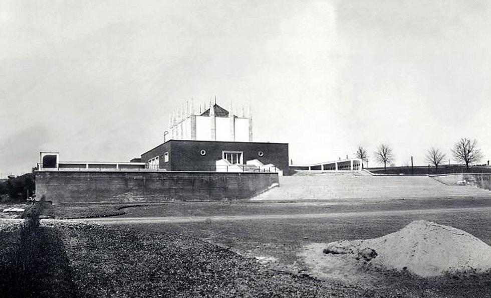 Archivní snímek brněnského krematoria.