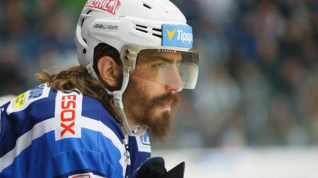 Snímek z reálného zápasu hokejové Komety Brno proti Liberci v této předčasně ukončené sezoně 2019/2020.