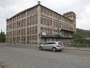 Chátrající Esslerova textilka v brněnských Obřanech