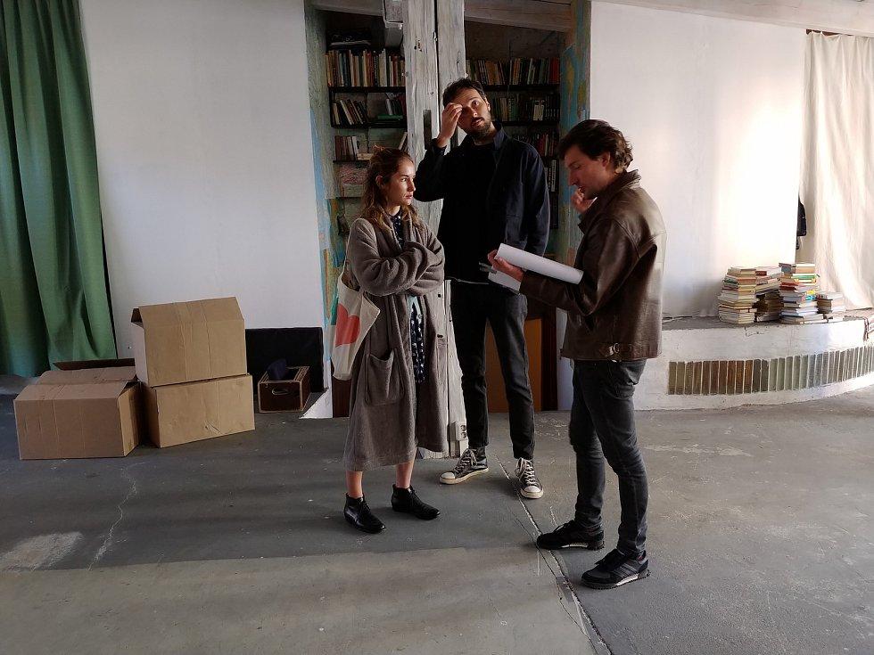 V Brně aktuálně natáčí filmovou romanci Marťanské lodě. V hlavních rolích se představí herečka Eliška Křenková a hudebník Martin Kyšperský.