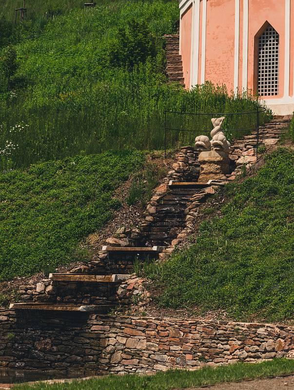Výlet na Pernštejn nikdy nezklame. Výletníky čeká hrad, obnovená zahrada a kouzelná okolní příroda.