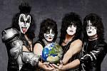 Současná sestava věhlasné rockové kapely Kiss: Gene Simmons, Eric Singer, Paul Stanley a Tommy Thayer.