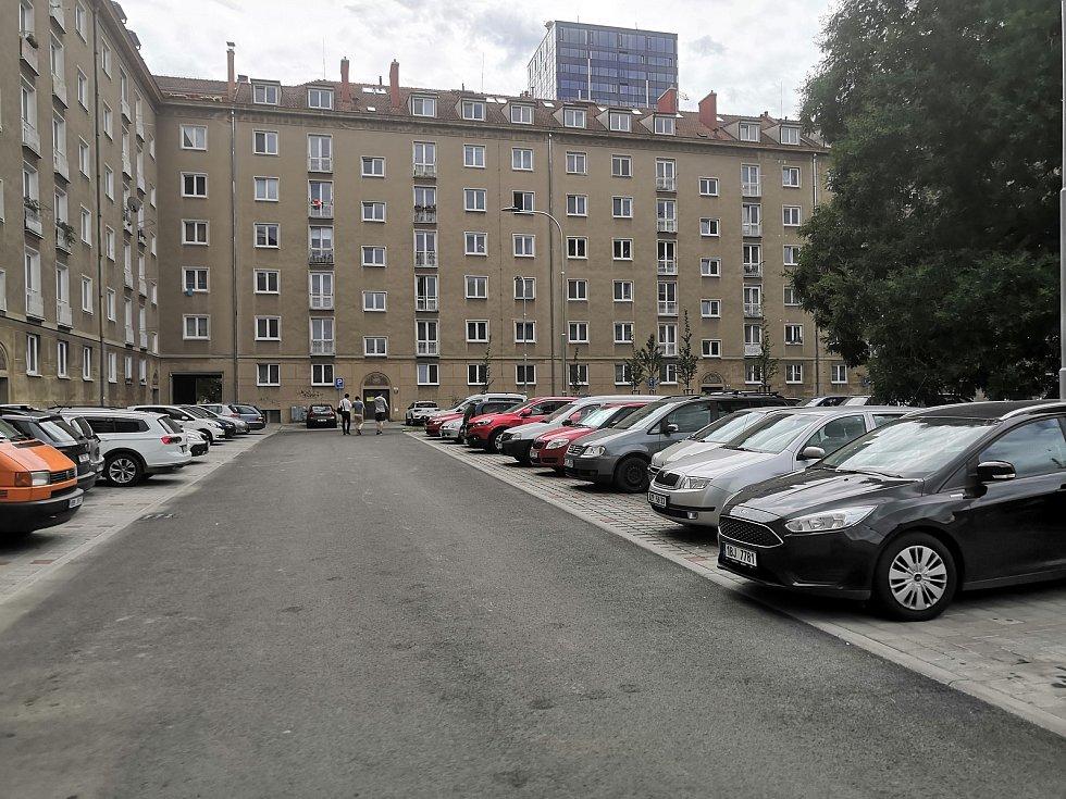 Opravený vnitroblok mezi ulicemi Kounicova, Tábor, Pod Kaštany a Šumavská v brněnských Žabovřeskách.