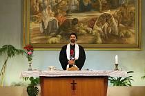 Stál si pevně za svým učením a jeho zatvrzelost ho stála život. Z myšlenek mistra Jana Husa vychází také víra příslušníků Církve československé husitské. Výročí pětadevadesáti let od vzniku této církve si ve čtvrtek připomněli také husitští věřící v Brně.