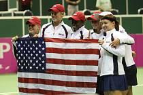 Druhý den souboje o finále Fed Cupu mezi českými hráčkami a týmem USA.