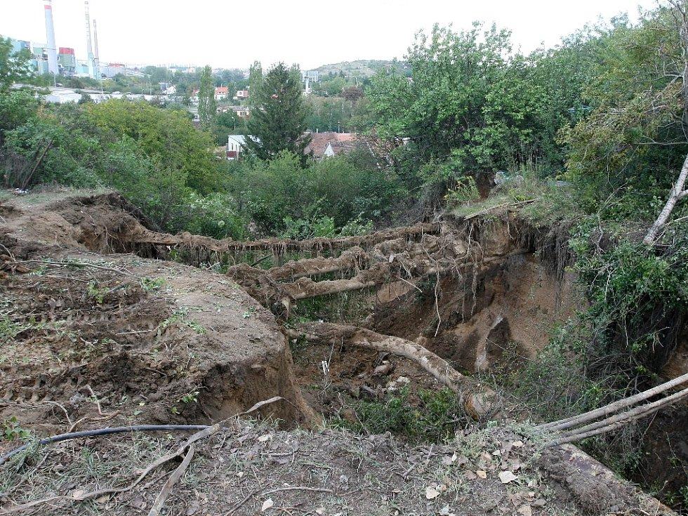 Havárie vody v Olomoucké ulici v Brně.