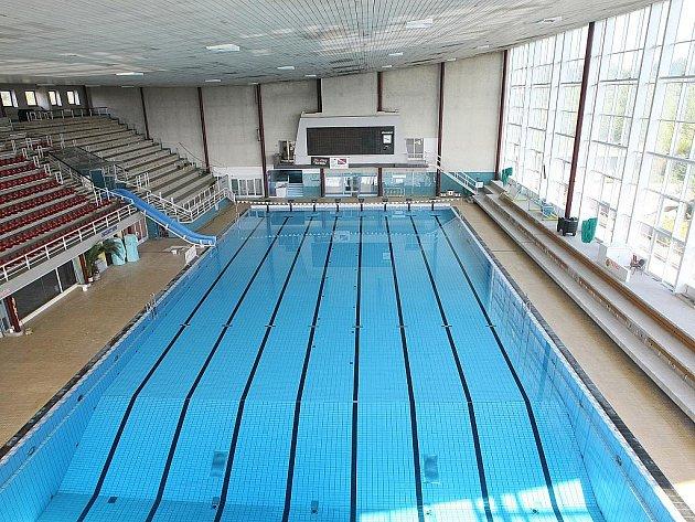 Vytápení šaten, opravy malého bazénu. Za Lužánkami si lidé nezaplavou do října