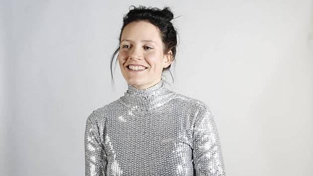Přestože pochází z Islandu, zpívá Sóley výhradně v angličtině. K většině jejích textů ji inspirovala poezie.