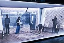 Inscenace hry Iry Levina Veroničin pokoj je v Redutě profesionálně vystavěnou, přesně dávkovanou a gradovanou.