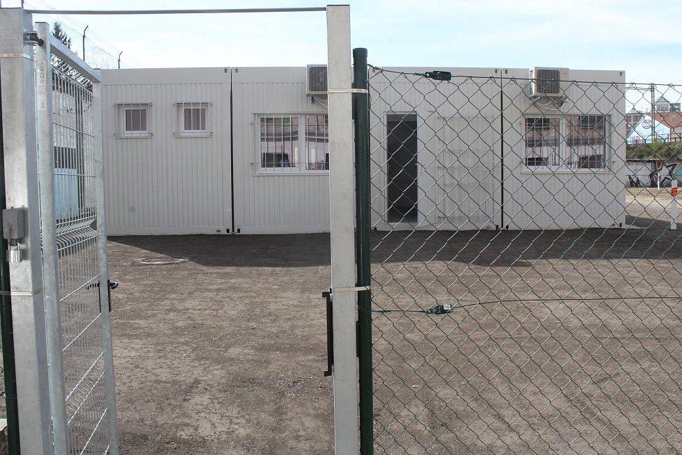 Nově dokončené denní centrum pro lidi bez domova ve Vlhké ulici v Brně, kde začnou v pátek testovat na koronavirus terénní pracovníky a bezdomovce.