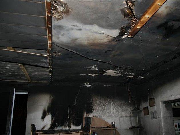 Požár rodinného domu.