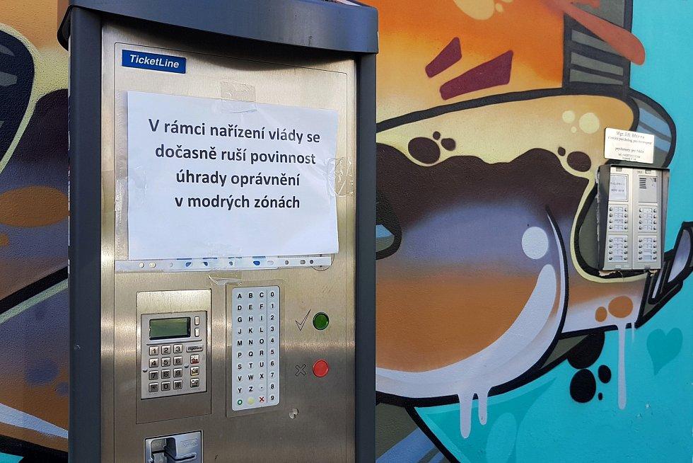 25.3.2020 - ulice Pellicova modrá zóna - platební automat