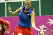 První den souboje o finále Fed Cupu mezi českými hráčkami a týmem USA.