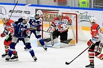 Hokejisté Komety přivítali na domácím ledě Pardubice.