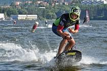 Motosurf, nebo taky Jet Surf, je unikátní surfové prkno vybavené motorem.