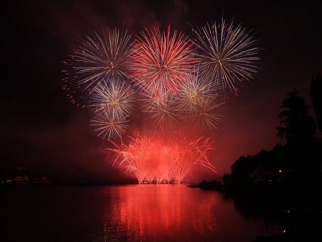 Australští ohňostrůjci se postarali o divácký rekord letošního festivalu Ignis Brunensis. Na jejich představení se přišlo podívat asi 180 tisíc lidí.