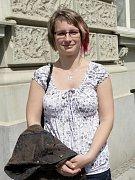 Studentka Masarykovy univerzity Petra Drahoradová bookcaching zvládá na výbornou.