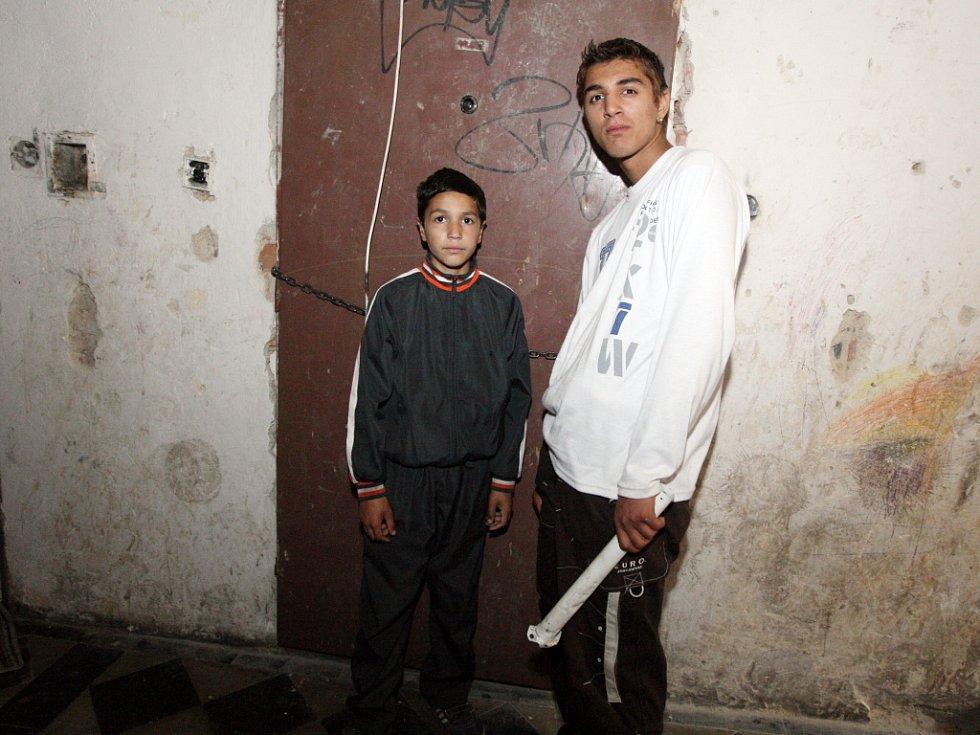 První romské rodiny už opustily Brno a odletěly do Kanady.