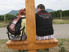 Nově otevřená Svatojakubská cesta láká poutníky na pětasedmdesáti kilometrovou trasu z Brna do Mikulova. Cesta začíná u obchodního centra Olympia v brněnských Modřicích.