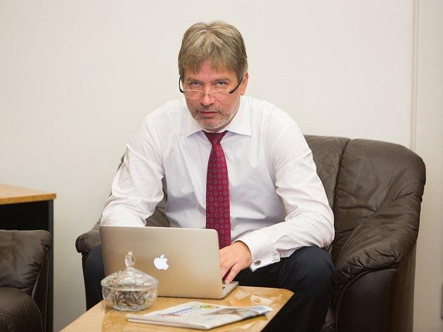 Primátor Roman Onderka odpovídá v online rozhovoru čtenářům Brněnského deníku Rovnost.