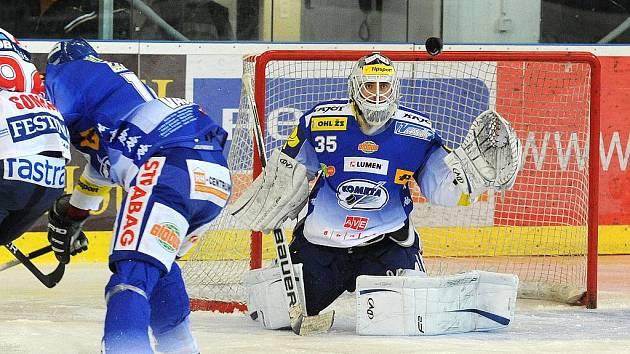 Hokejisté Komety Brno v utkání s Pardubicemi.
