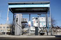 Provoz první veřejné městské plnicí stanice na stlačený zemní plyn spustil v pondělí brněnských dopravní podnik.