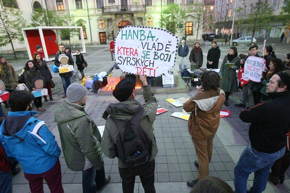 Demonstrace za přijetí syrských uprchlíků do České republiky.