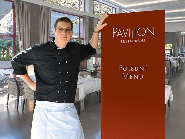 Z kuchaře samouka se vypracoval na šéfkuchaře. Teď ho čeká prestižní soutěž.