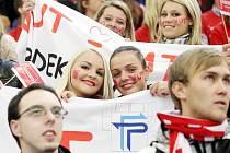 O vítězi musí rozhodnout až závěrečné nájezdy, v nichž hokejisté univerzity porážejí soupeře poměrem 3:1.