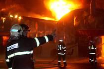 Požár tržnice v Olomoucké ulici v Brně.