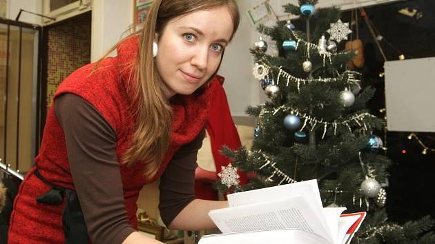 S moderními Vánocemi je neoddělitelně spjaté rozdávání dárků. V adventním čase však ne všichni berou útokem obchody, ale myslí i na ty, kteří si Vánoce z různých důvodů tolik neužijí. K různým benefičním akcím se připojují i některé brněnské společnosti.