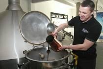 Brno 11.2.2020 - v brněnském pivovaru Starobrno začala výroba zeleného piva - sládek Svatopluk Vrzala