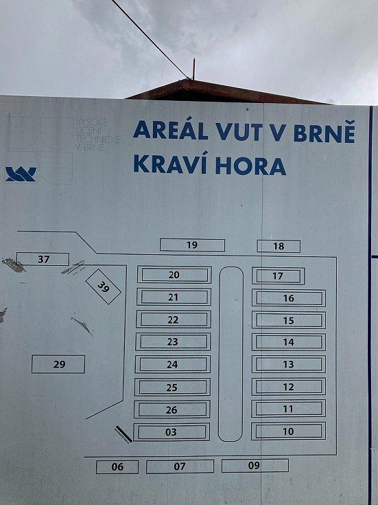 Areál VUT na Kraví hoře v Brně, kde upravený návrh nového územního plánu města vymezuje plochu veřejné vybavenosti, která je určená konkrétně pro městskou nemocnici.
