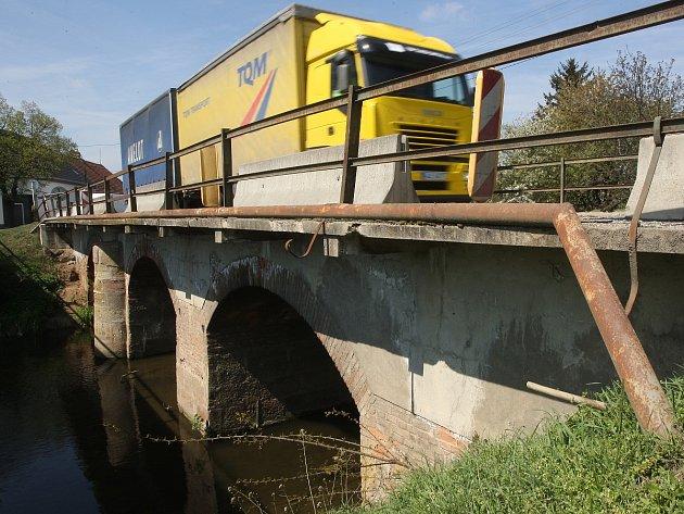 Pitrův most.