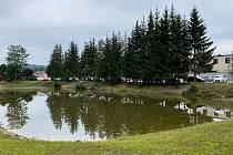 Rybník Cukrovar v Rosicích na Brněnsku.