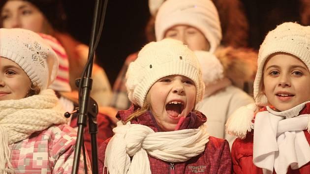 Do akce Česko zpívá koledy se zapojilo i brněnské náměstí Svobody.