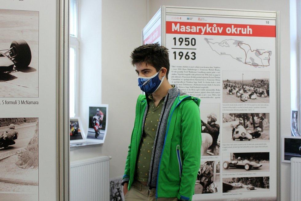 Na panelové výstavě se lidé dozví o historii Masarykova okruhu.