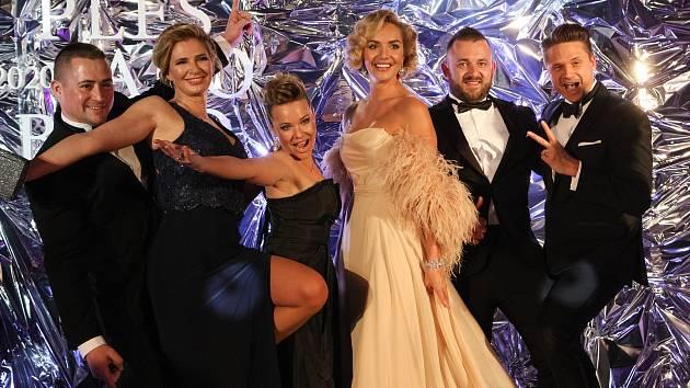 V lednu běžně začíná plesová sezona. Kvůli pandemii koronaviru ale pořadatelé drtivou většinu plesů pro letošek zrušili. Náhradní jarní termín zatím oznámili pouze pořadatelé Plesu jako Brno.