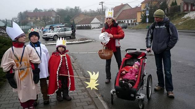 Koledníky v Lelekovicích už dvanáct let doprovází Anna Svobodová.