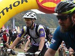 Dvanáctý ročník závodu horských kol Lahofer Author Cup startoval z pláže vranovské přehrady.