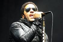 Lenny Kravitz pobavil Brňany i navzdory vytrvalému dešti.